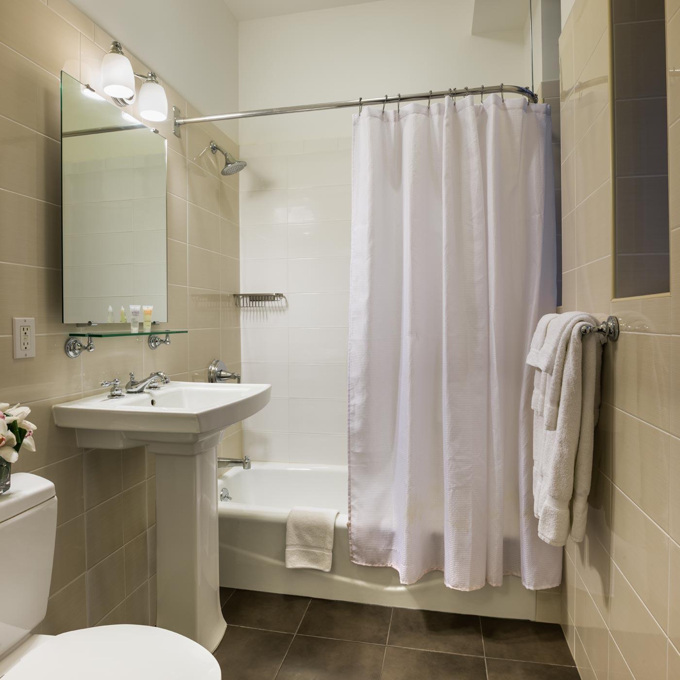 Shared-Bath Economy Gallery   Seton Hotel